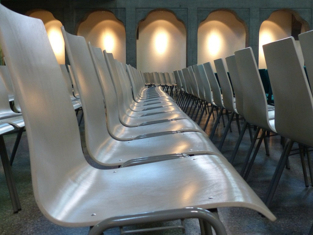 chairs-143253_1280