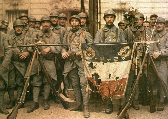 Picture: El 114 de infantería, en París by Léon Gimpel