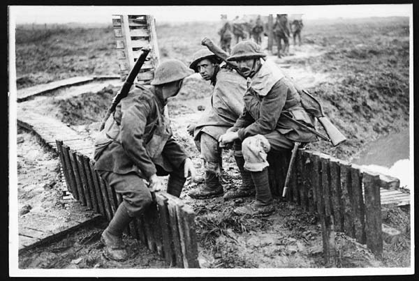 OFFICIAL PHOTOGRAPH TAKEN ON THE BRITISH WESTERN FRONT IN FRANCE by Unknown, licence CC0 1.0