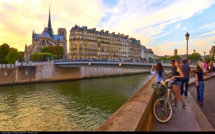 Picture: Paris by Moyan Brenn, licence CC BY 2.0