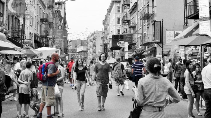 Featured image: NYC Street Scenes by Steven Pisano, license CC BY 2.0, modified