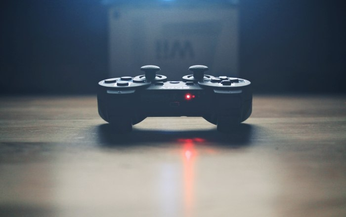 Picture: Video game controller by Pawel Kadysz, license CC0