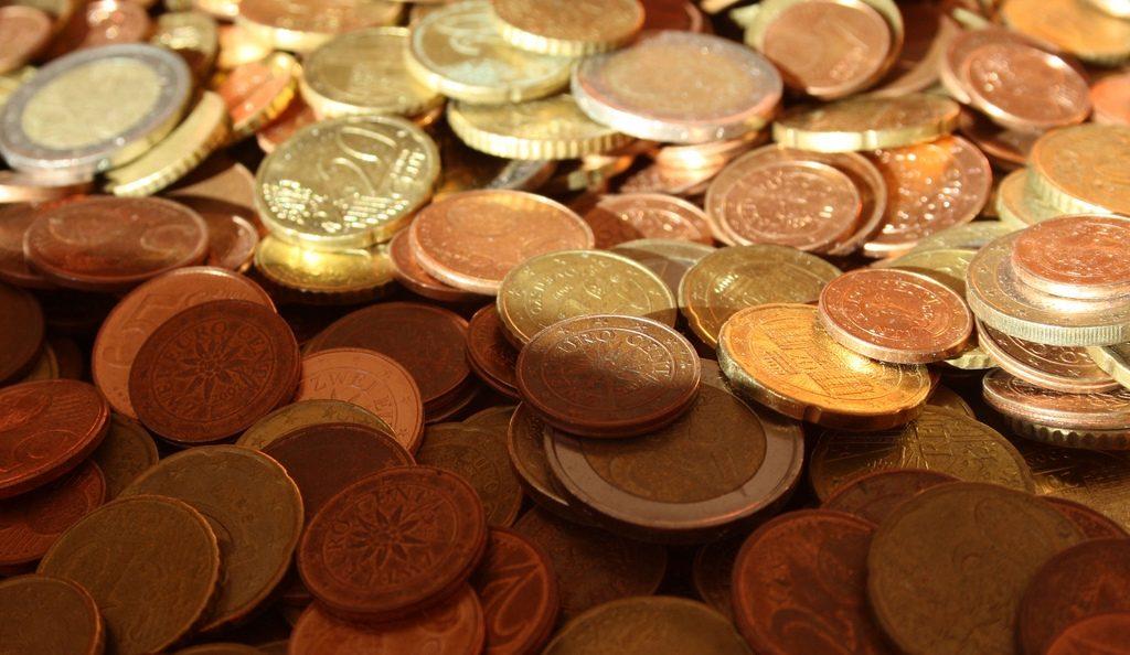 el crepusculo del euro by Jimelovski Platano Macho, licence: CC BY-SA 2.0