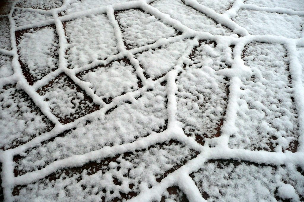 Picture: Snow by Dave & Margie Hill / Kleerup, licence: CC BY-SA 2.0