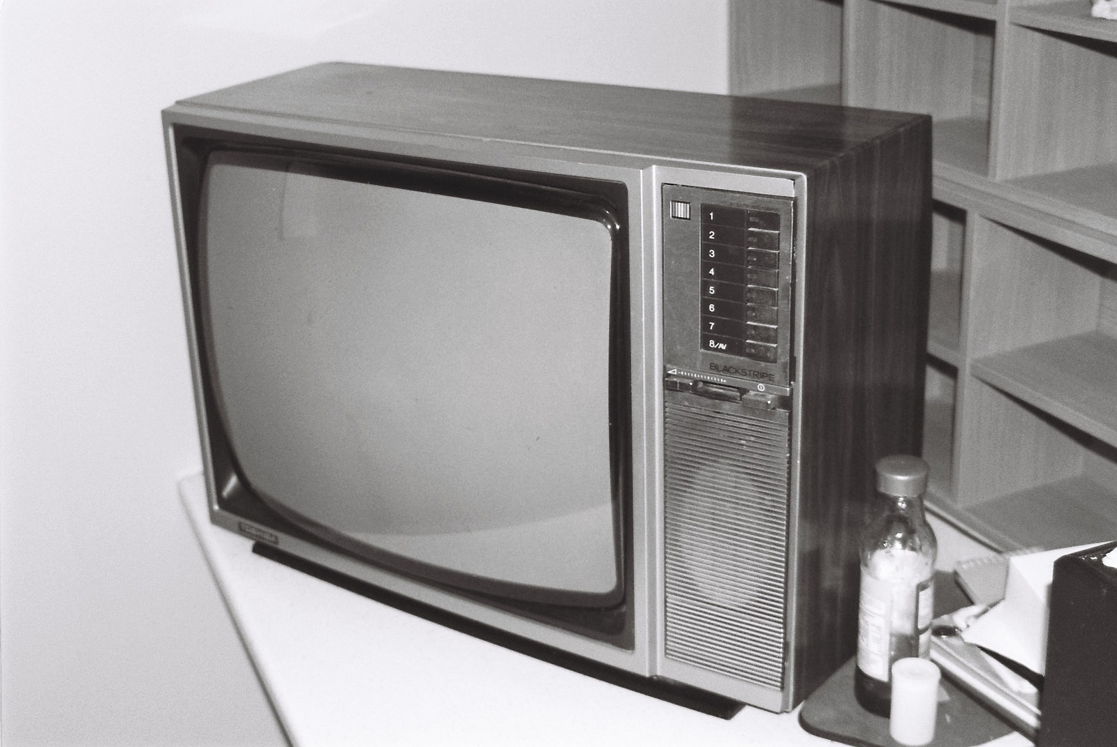 Old Toshiba Blackstripe television set by Matthew Paul Argall, licence: CC BY 2.0