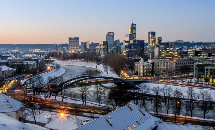Picture: Winter cityscape of Vilnius by Mantas Volungevicius, license CC BY 2.0