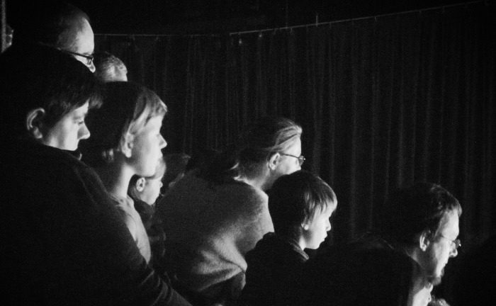 Picture: Audience by Marc Cornells, license CC BY 2.0, cropped
