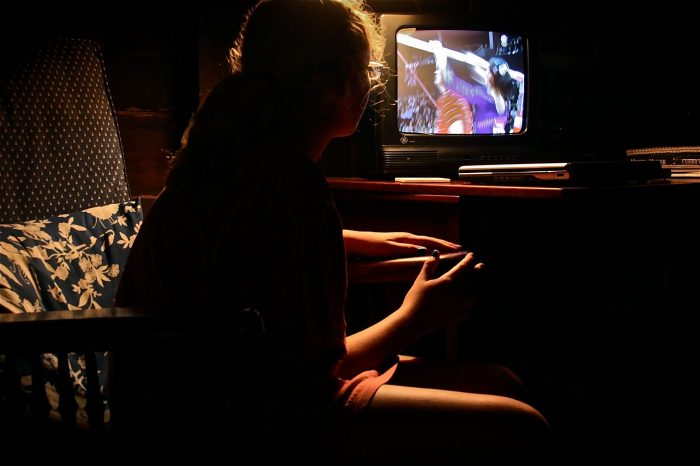 Watching the Olympics by smilla4, licence CC BY-NC 2.0