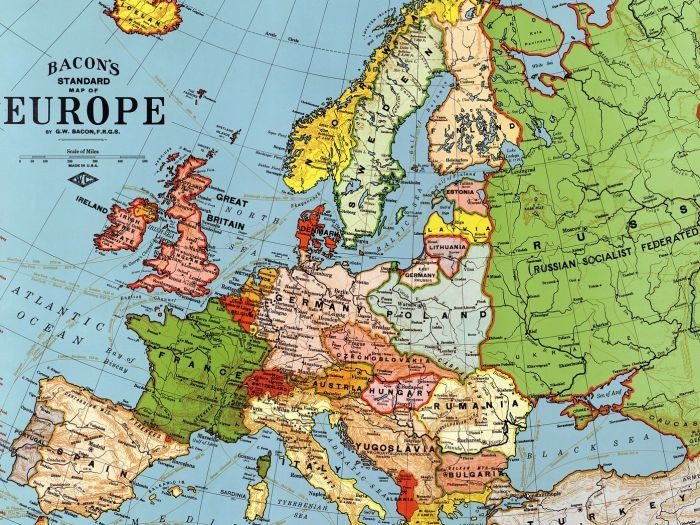 Picture: Europe by WikiImages, license CC0 1.0, cropped