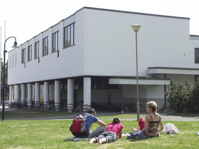 University of Jyväskylä L-building by Tarja Vänskä-Kauhanen