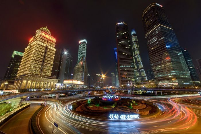 Picture: Shanghai at night by Stefan Wagener, license CC BY 2.0