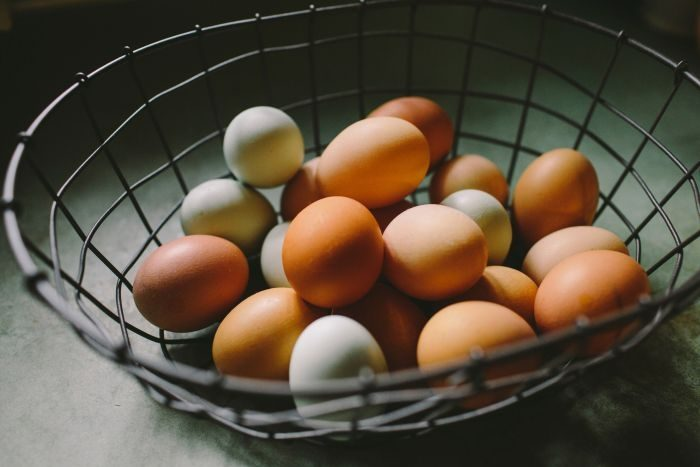 Picture: Fresh eggs by Natalie Rhea Riggs, license CC0 1.0