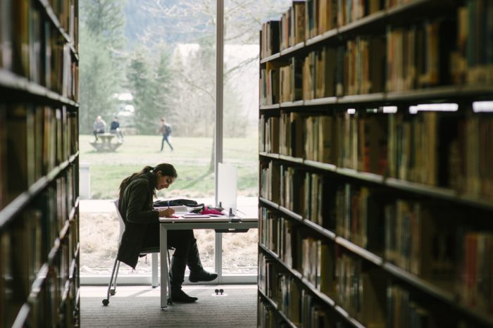 UNIVERSITY_OF_THE_FRASER_VALLEY_PHOTOGRAPHY byUniversity of the Fraser Valley, licence: CC BY 2.0
