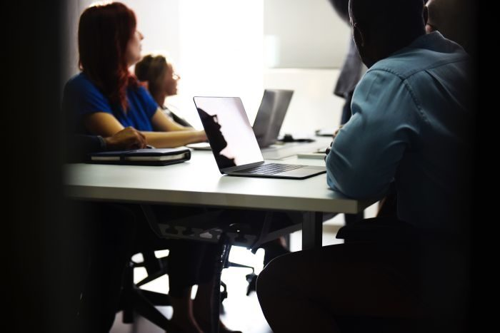 Picture: Office meeting by rawpixel.com, license CC0 1.0