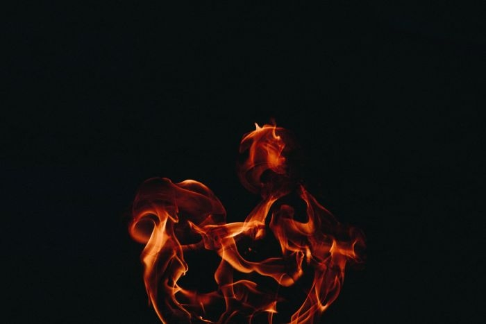 Picture: Dancing with fire by Jiawei Chen, license CC0 1.0