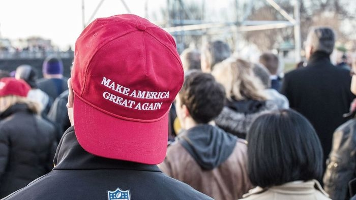 Picture: Make America Great Again by James McNellis, license CC BY 2.0, modified