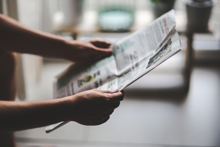 Picture: Man reading newspaper by Kaboompics, Karolina, license CC0 1.0