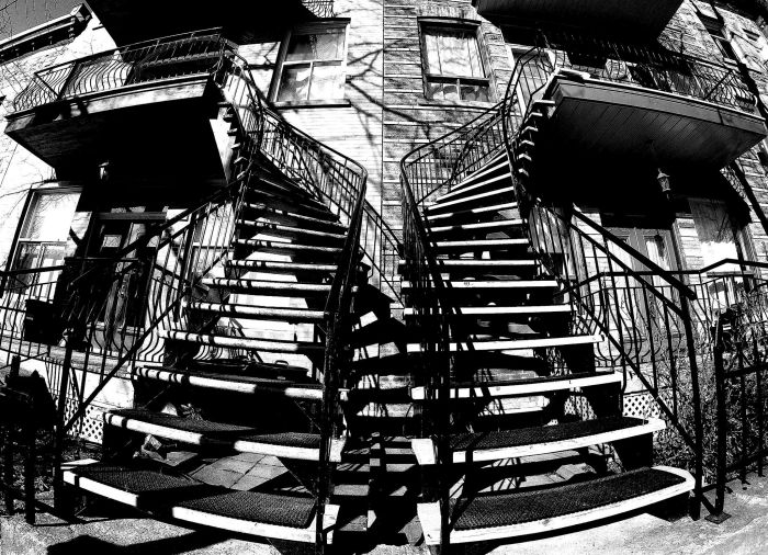 Picture: Blvd Saint-Laurent Staircases by Jason Thibault, license CC BY 2.0, cropped