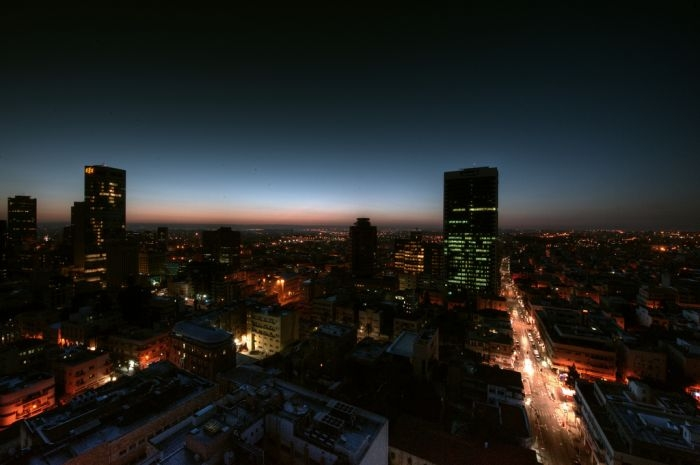 Picture: Sunrise in Tel Aviv by Or Hiltch, license CC BY-NC 2.0