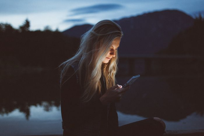 Picture: Texting at Night by Becca Tapert, license Unsplash